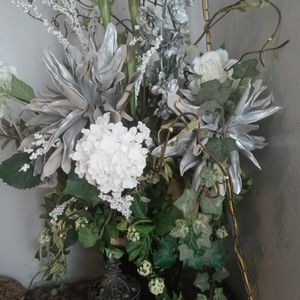 White And Gray Flower Arrangement for Sale in Fort Worth, TX