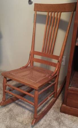 Antique Rocking Chair for Sale in Beaverton, OR
