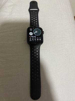 Cellular Series 4 Apple Watch Verizon for Sale in Olympia, WA
