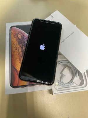 iPhone XS Unlocked 64GB Gold for Sale in Columbus, OH