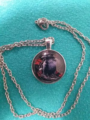 SiLveR GLasS RaVeN PeNdaNt NeCkLaCe for Sale in Bountiful, UT