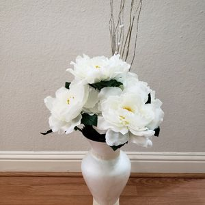 Tall Vases With Beautiful Flowers for Sale in Plano, TX