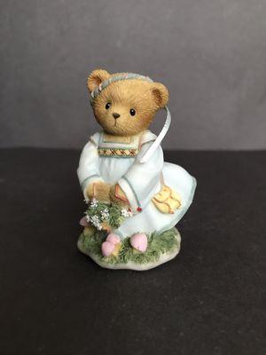 2001 Cherished Teddies 4010995 Maid Marian With Basket of Flowers Figurine for Sale in San Antonio, TX