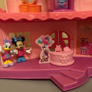 MINNIE MOUSE Toy HOUSE 🏠❤️ for Sale in Vancouver, WA