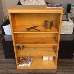 4'x1' Bookshelf for Sale in Portland,  OR