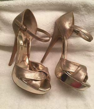 Glamorous Audrey Brook Gold 8.5 High Heels for Sale in Manassas Park, VA