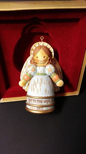 Vintage Hallmark Tree Trimmer Collection ' JOY TO THE WORLD ' 1977. for Sale in Troutdale, OR