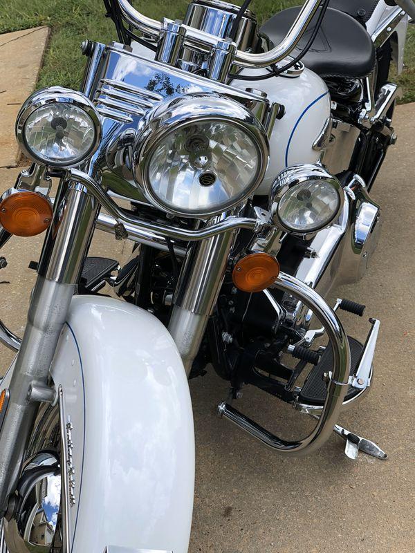 2012 Harley Davidson Softail Heritage beautiful bike