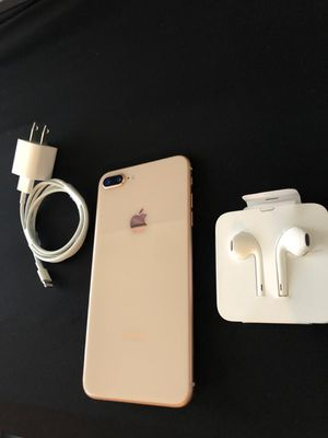 iPhone 8 Plus Gold Rose unlocked 64Gb for Sale in Springfield, VA