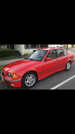 BMW 328i año 1999 titulo limpio for Sale in Los Angeles, CA