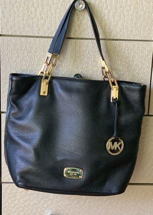 Michael Kors Womens Handbag for Sale in Montebello, CA
