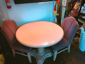 Vintage dining table with four scallop chairs for Sale in Bloomington, IN