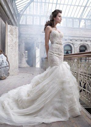 Original Lazaro Wedding Dress with silk jeweled belt. for Sale in Pasadena, CA