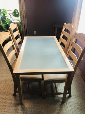 Solid wood table and chairs for Sale in Renton, WA