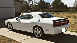 🎃 I sell URGENT my car 2009 Dodge Challenger Sport Runs and drives great! Clean title.🦇 for Sale in Oakland, CA