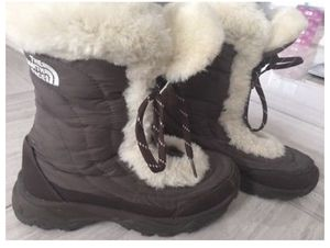 The north face winter boots for Sale in Annandale, VA