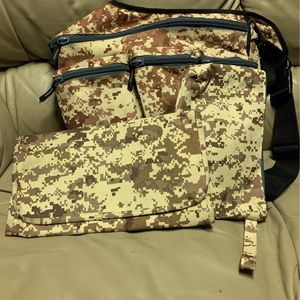 Cammo Diaper Bag - Gently Used for Sale in Stratford, OK