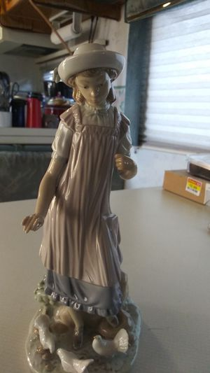 Lladro figurine from Spain rare retired for Sale in Corona, CA