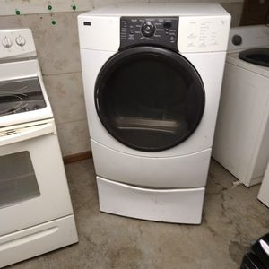 Front Load Gas Kenmore Dryer On Pedestal for Sale in Indianapolis, IN