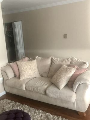 Free Couch for Sale in Arlington, VA