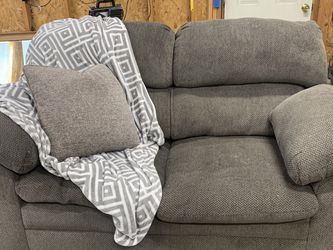 Comfy Loveseat for Sale in Sandy,  UT