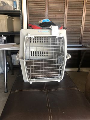 PetKeeper Dog Crate (small) 28 x 20 x 21.5 for Sale in Oceanside, CA