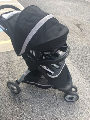 Graco stroller and car seat travel system for Sale in Houston, TX
