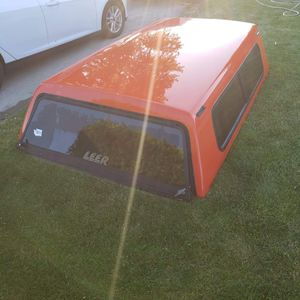 Leer camper for full size bed for Sale in Yakima, WA