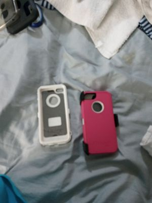 2 iPhone OtterBox for Sale in McDonough, GA
