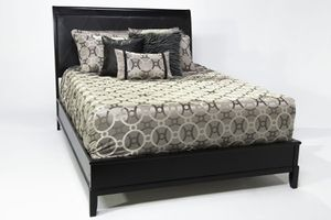 MOR furniture queen bed frame bed set for Sale in Spring Valley, CA