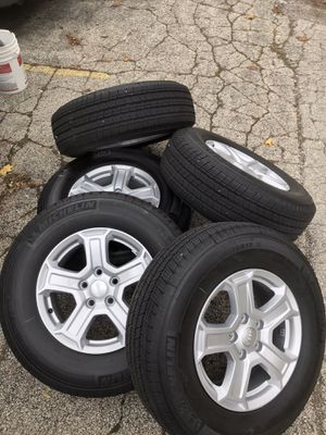 Brand new Jeep Wrangler 2020 wheels and tires for Sale in Glenview, IL