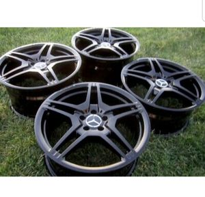 "19"" MERCEDES AMG E63 CLS550 CLS63 E550 E500 CLS500 CLS55 RIMS WHEELS OEM BLACK for Sale in Long Beach, CA"