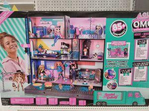 Lol Dollhouse w/ accessories for Sale in Chicago, IL