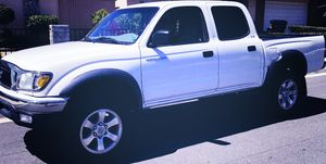 GREAT LOOKING DRIVES FANTASTIC TOYOTA TACOMA 2003 for Sale in Portsmouth, VA