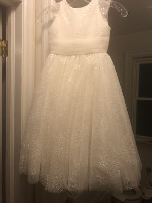 Joan Calabrese Flower Girl Wedding Gown size 5 (my daughter wore it last year in a wedding but it's too little for her now for Sale in Hazel Crest, IL