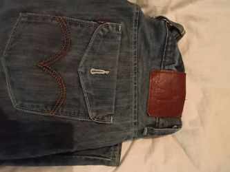 2 Pairs Levi's Jeans for Sale in Lynnwood,  WA