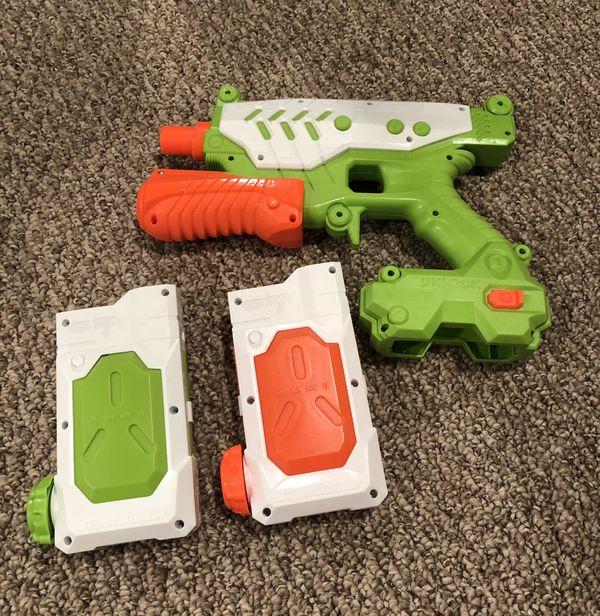Super Soaker Nerf gun