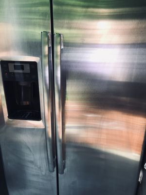 GE Arctica stainless steel side by side refrigerator fridge water and ice maker DELIVERY for Sale in Auburn, WA