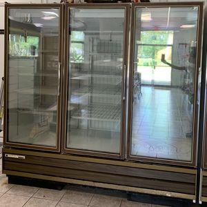 """Master Bilt 83"""" Three (3) Glass Door Freezer for Sale in Newport News, VA"""