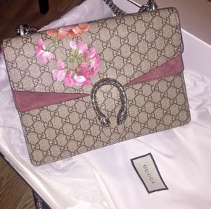 Gucci bloom bag for Sale in Baltimore, MD