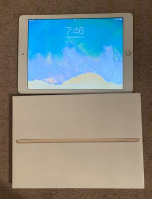 iPad gold 32g Very good condition almost new for Sale in Alhambra, CA