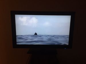 32 inch LG flatscreen with remote/hdmi port for Sale in Lawton, OK