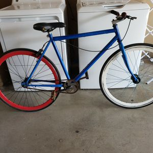 FIXIE - (PARTS) BICYCLE for Sale in Long Beach, CA