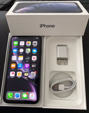 iPhone XR factory unlock 64GB Black for Sale in Glenview, IL