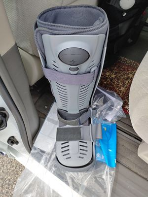 Medical boot for Sale in Grand Rapids, MI