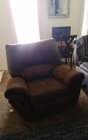 Brown recliner for Sale in Phoenix, AZ