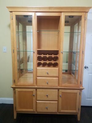 China Cabinet / Lighted Hutch for Sale in Manchester, CT