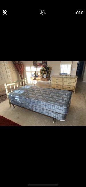 Bedroom Set! Set de Recámara for Sale in Avondale, AZ