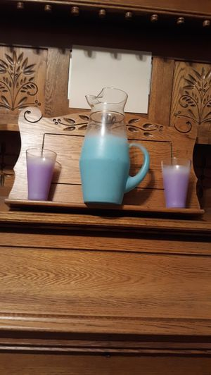 BEAUTIFUL PASTEL PITCHER & 2 GLASSES for Sale in Lynchburg, VA