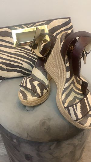 Michael Kors size 5 shoes & matching bag for Sale in New York, NY